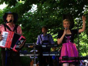 Internationales Oktoberfest im August in Dresden - der Landeshauptstadt von Sachsen